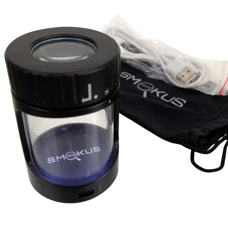 Krabička na šišky s lupou a LED svetlom Smokus Fokus Horizon black
