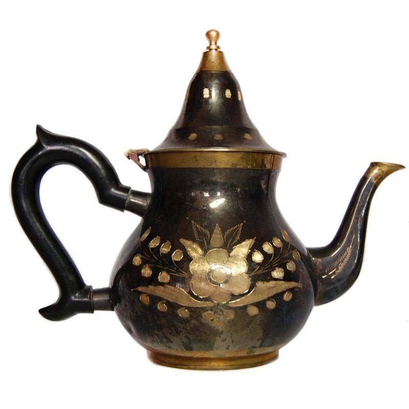 Čajová konvica tepaná