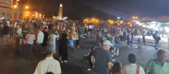 trh na namesti v Maroku